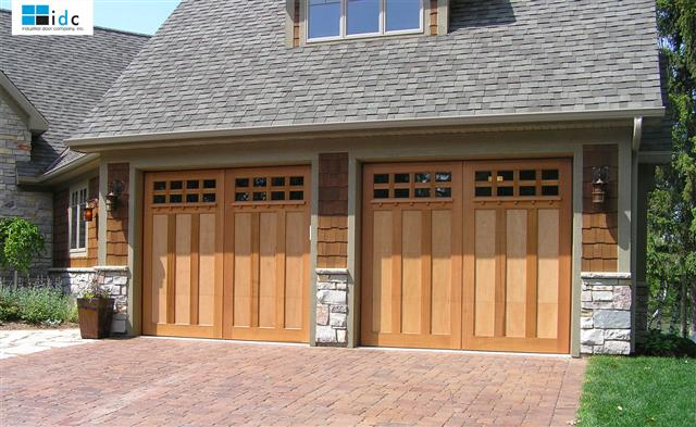 custom-wood-garage-door-2
